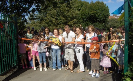 Cutting the ribbon in 2008 with special guest Billy Schwer